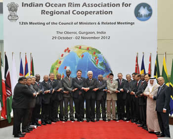 Group photo of the Twelfth Ministerial Meeting of the Indian Ocean Rim Association for Regional Cooperation (IOR-ARC), Delhi, India, 2 November 2012.