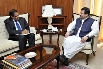 Deputy Minister of International Relations and Cooperation South Africa, Mr Ebrahim Ebrahim meets with the Minister of State of Foreign Affairs, Mr Nawabzada Malik Amad Khan of Pakistan; during his working visit to Islamabad, Pakistan, 5 November 2012.