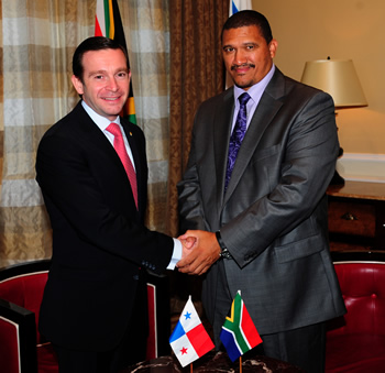Deputy Mininster Marius Fransman hosts Vice Minister Alvarez de Soto of Panama for Bilateral Discussions, Cape Town, South Africa, 19 April 2011.