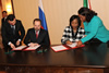 Minister Maite Nkoana-Mashabane and the Minister of Natural Resources and Environment, Mr Sergey Donskoi of the Russian Federation, sign the Minutes at the conclusion of the ITEC Meeting, Moscow, Russian Federation, 13 November 2012.