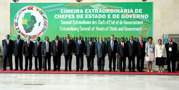 SADC Heads of State and Government during the SADC Extraordinary Summit in Luanda, Angola, 1 June 2012.