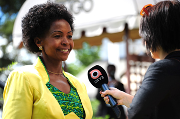 Minister Maite Nkoana-Mashabane conducts a door-stop interview with a Finnish channel MTV3 before the commencement of the 13th Nordic-Africa Foreign Ministers Meeting, Hameenlinna, Finland, 15-16 June 2013.
