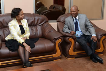 Minister Ms Maite Nkoana-Mashabane arrives in Livingstone, Zambia ahead of the SADC Council of Ministers Meeting held in Victoria Falls, Zimbabwe. She is received by the South African Ambassador to Zimbabwe, Mr. W V Mavimbela, 14-15 August 2014.