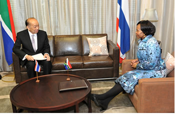 Meeting between Minister Maite Nkoana-Mashabane and Dr Surapong Tovichakchaikul, Deputy Prime Minister and Minister of Foreign Affairs of the Kingdom of Thailand, O R Tambo Building, Pretoria, South Africa, 21-22 August 2013.