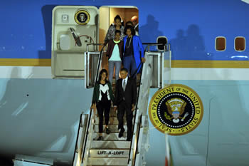 President Barack Obama of the United States of America, First Lady Michelle Obama and their children arrive at Waterkloof Air Force Base, Pretoria, South Africa, 28 June 2013.