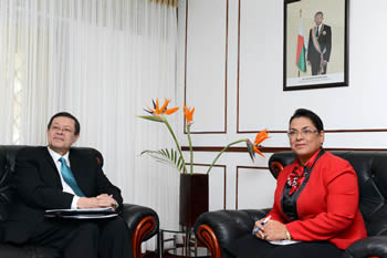 "Deputy Minister Luwellyn Landers meets with the Foreign Minister of the Republic of Madagascar, Ms Beatrice Jeanine Atallah, ahead of the seminar on ""Madagascar and South Africa Relations: The Past, Present and Future"", Antananarivo, Madagascar, 5 October 2015."