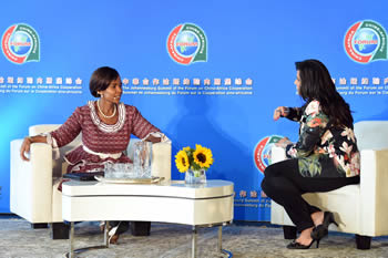 Minister Maite Nkoana-Mashabane with Leanne Manas from SABC Morning Live during a live interview that focuses on the Johannesburg Summit of the Forum on China - Africa Cooperation (FOCAC), Pretoria, South Africa, 3 December 2015.