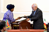 Minister Maite Nkoana-Mashabane her Iranian counterpart, Foreign Minister Mohammad Javad Zarif Khonsari, close the South Africa - Iran Joint Commission, Tehran, Islamic Republic of Iran, 11 May 2015.