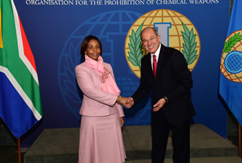 Minister Maite Nkoana-Mashabane, meets with the Director-General of the OPCW, Ahmet Üzümcü, The Hague, Kingdom of the Netherlands, 17 November 2015.
