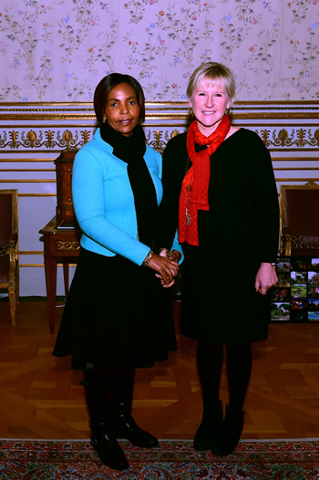 Minister Maite Nkoana-Mashabane meets with the Swedish Foreign Minister, Margot Wallström, for a working lunch, in Stockholm, Sweden, 13 November 2015.