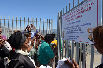 Deputy Minister Nomaindiya Mfeketo unveils of the plaque of the renaming of the community Park to Dora Tamana, Rondevlei, Cape Town, South Africa, 8 October 2015.