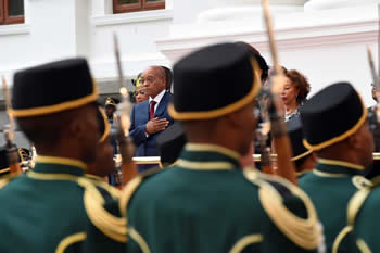 President Jacob Zuma receives the National Guard of Honour salute before entering Parliament, Cape Town, South Africa, 12 February 2015.