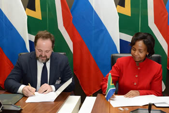 Minister Maite Nkoana-Mashabane, and the Russian Minister of Natural Resources and Environment, Mr Sergey Donskoy, sign a MOU after the Fourteenth Session of the Joint Intergovernmental Committee on Trade and Economic Cooperation (ITEC), Pretoria, South Africa, Pretoria, South Africa, 18 November 2016.