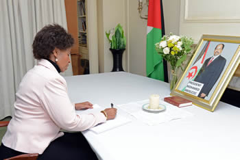 Minister Maite Nkoana-Mashabane signs the condolences book on the passing of President Mohamed Abdelaziz of the Saharawi Arab Democratic Republic (SADR) at the Embassy of the Saharawi Arab Democratic Republic, Pretoria, South Africa, 7 June 2016.